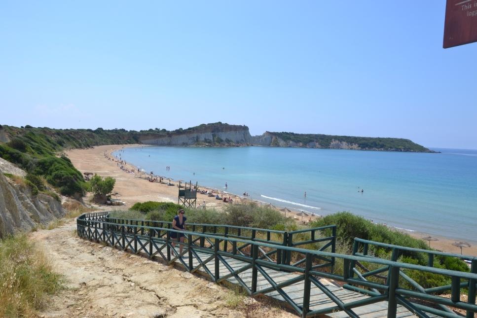 Plaża Gerakas nadzatoką Lagana tomiejsce gdzie żółwie Caretta Caretta składają swoje jaja.