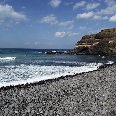 Zbieraj się, Fuertaventura, kamienista plaża
