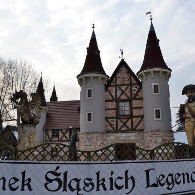 Zbieraj się, Pławna, zamek legend śląskich