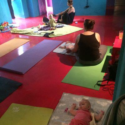 joga dla mam z dziećmi