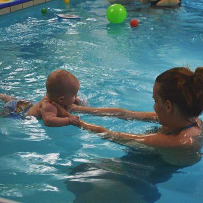 basen z niemowlakiem