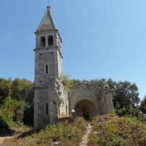 Zbieraj sie, wyspa sw Iwana, ruiny kościoła