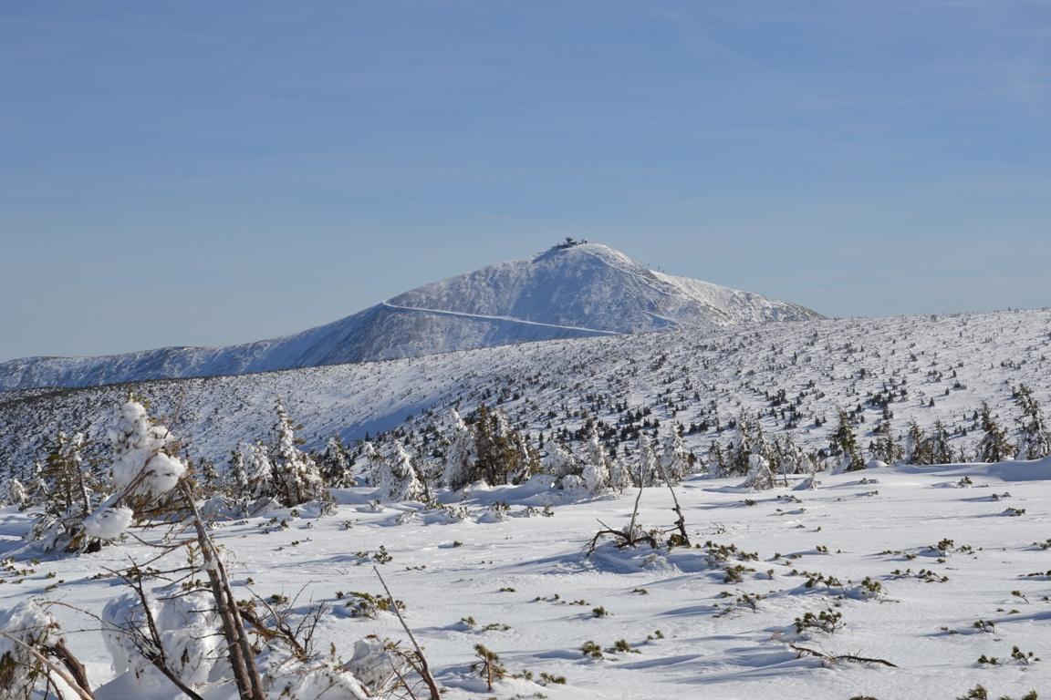 atrakcje na Dolnym Śląsku _ zimowe Karkonosze_Śnieżka zimą