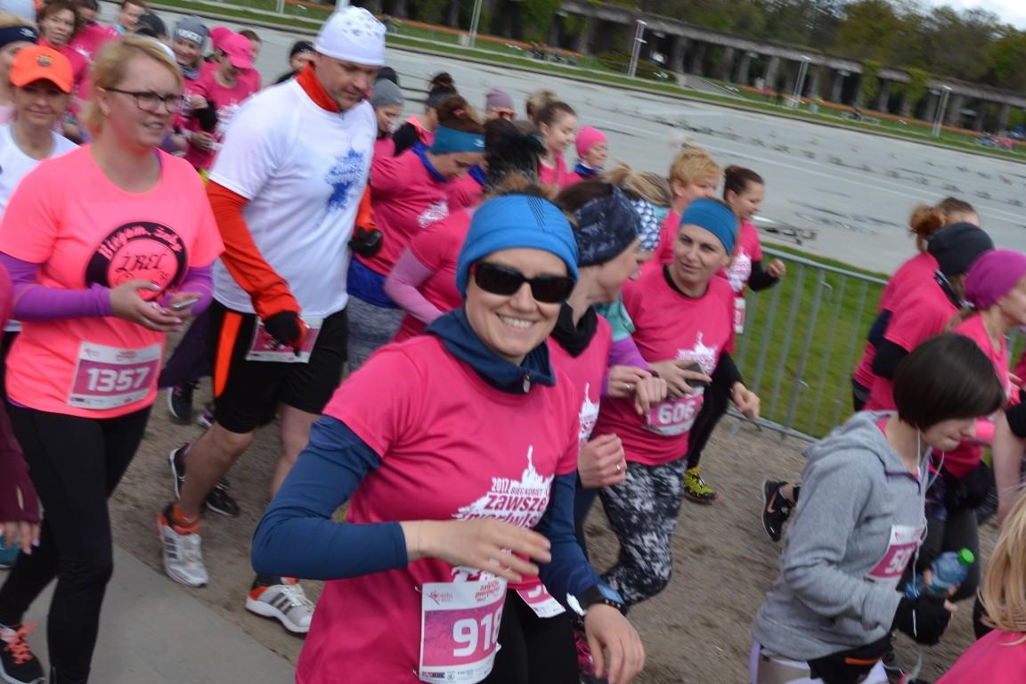 bieg kobiet we Wrocławiu