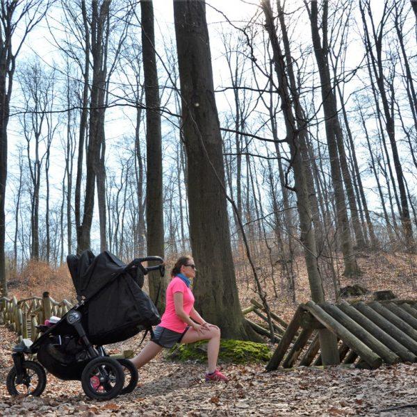Drewniana kladka_bukowy las w trzebnicy, rozciaganie, zbierajsie