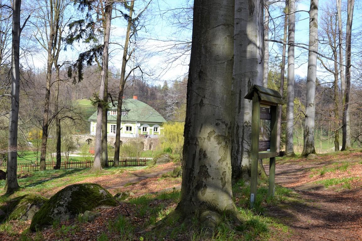 Park-krajobrazowy-w-bukowcu-swiatynia-ateny-zbierajsie (11)