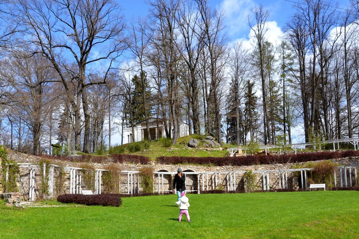 Park-krajobrazowy-w-bukowcu-swiatynia-ateny-zbierajsie (44)