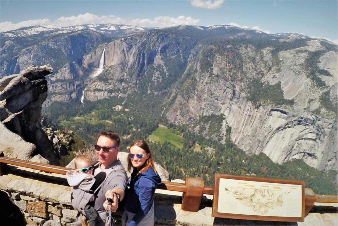 co zobaczyć w Yosemite, Overhanging Rock, Glacier Point, Narodowy Park Yosemite, Zbierajsie