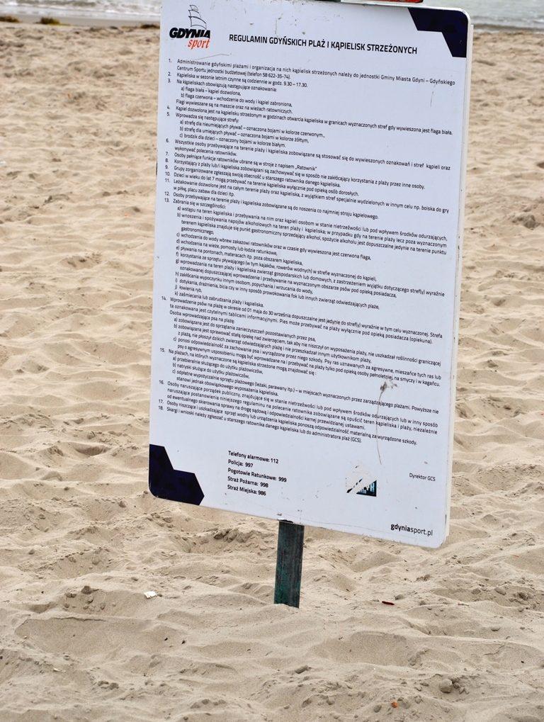 kolor-flagi-na-plazy-zbierajsie-morze-kapielisko (1)