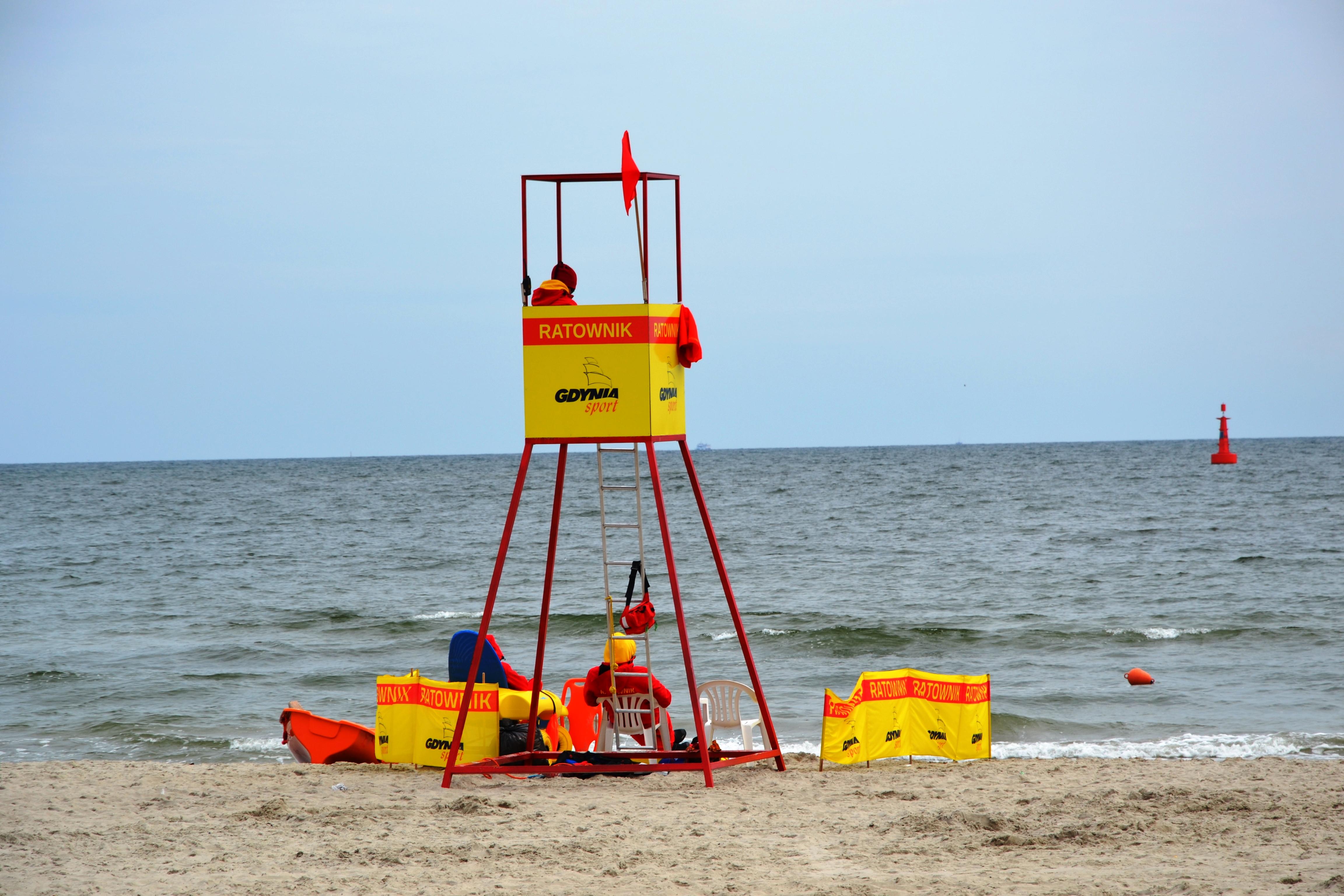 kolor-flagi-na-plazy-zbierajsie-morze-kapielisko (2)