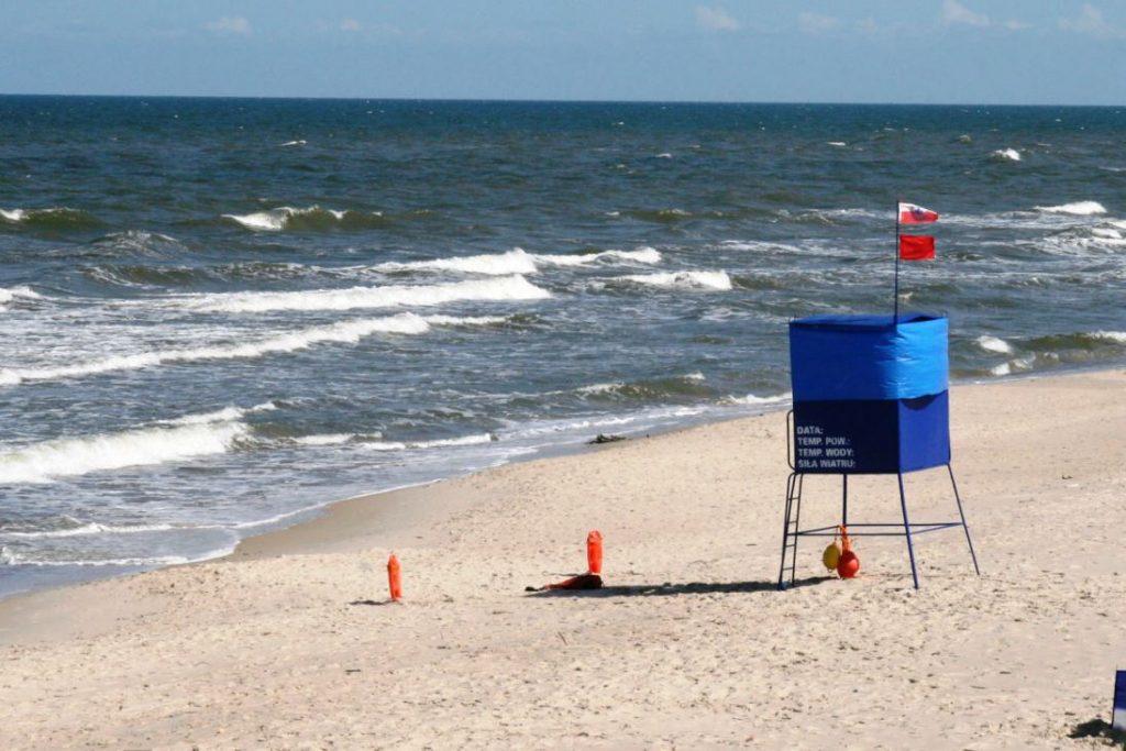 kolor-flagi-na-plazy-zbierajsie-morze-kapielisko (6)