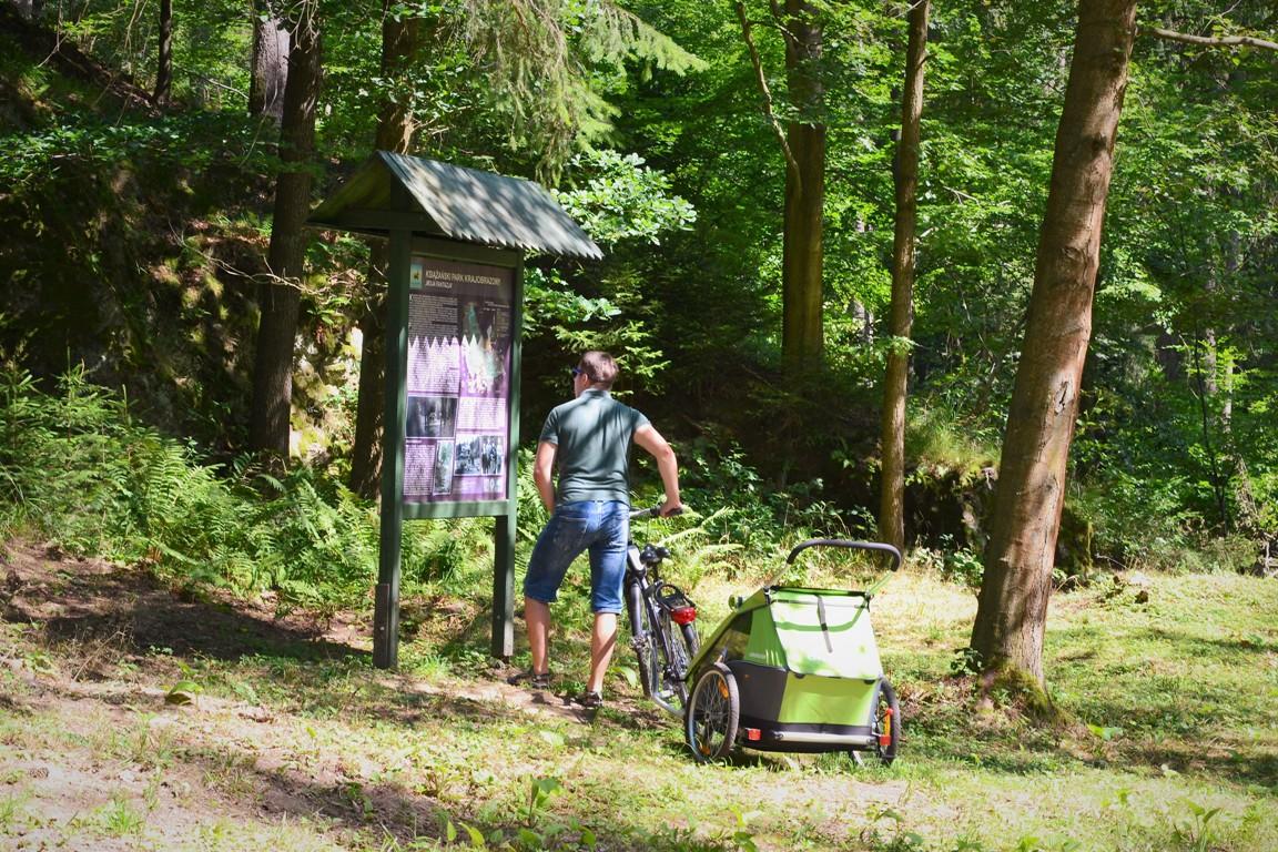 walbrzych-zamek-cisy-zbierajsie-rowery-z-dzieckiem (11)