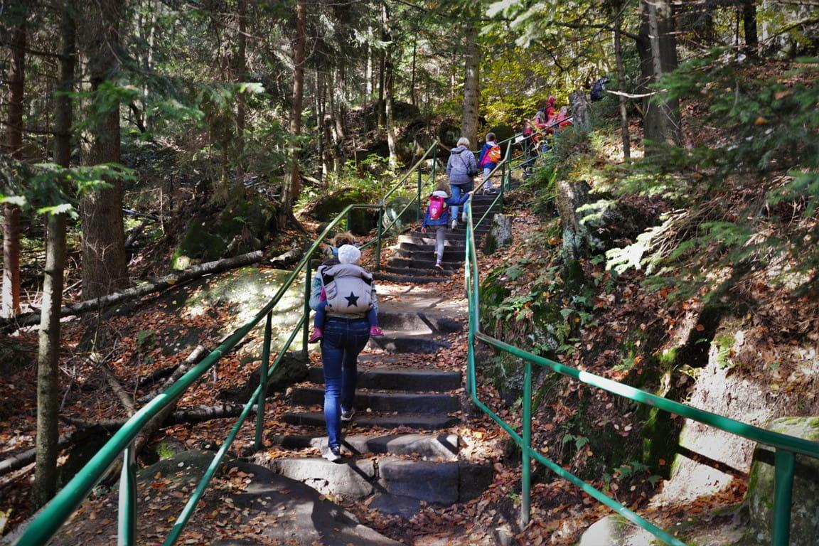 park narodowy gor stolowych, schody na szczeliniec, zbierajsie (18)