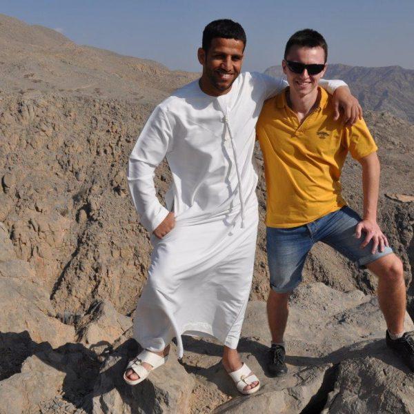 Tomasz Zubko wraz z przyjacielem z Emiratów Dhawi