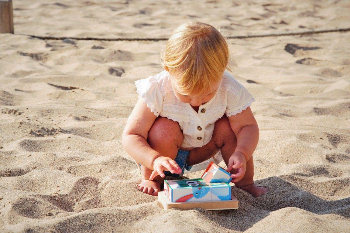 Zabawki dla dwulatki_ Układanka Janod Magnetibook Pory roku , Puzzle dwujęzyczne Mudpuppy, Drewniane klocki Clock Baby Forest Janod