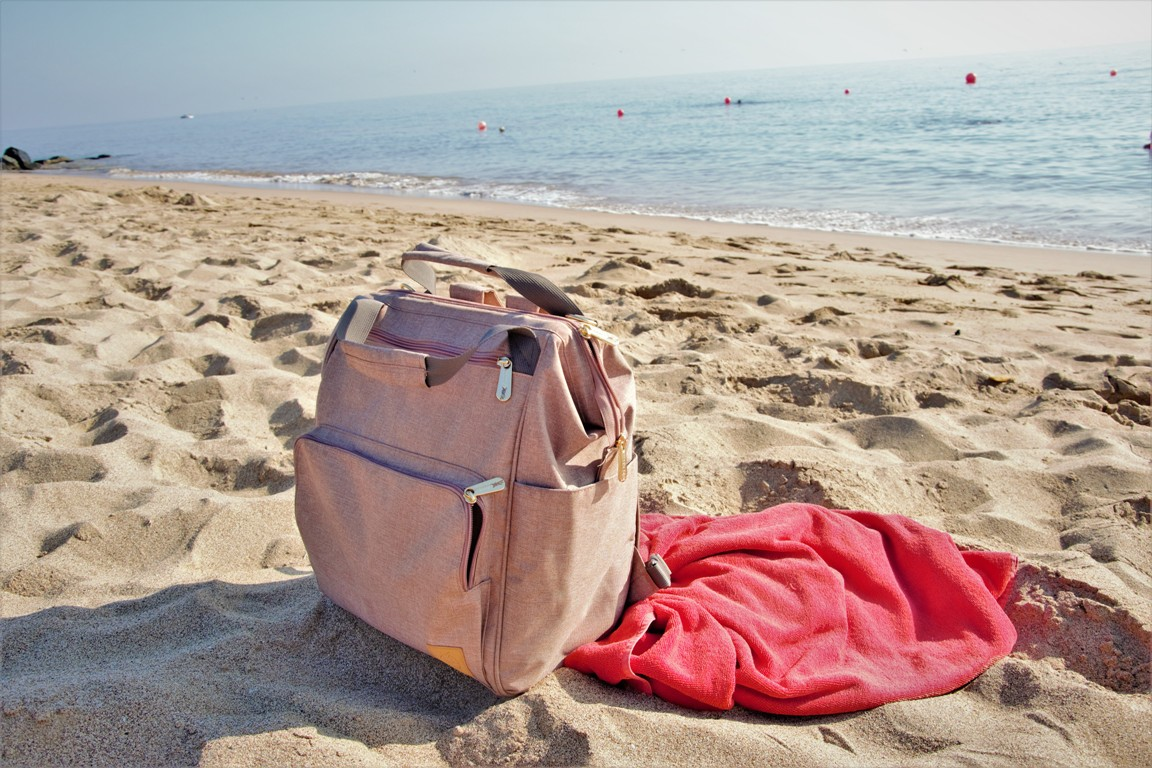 Jak zorganizować samodzielne wakacje_co zabrac? Torba Laasig