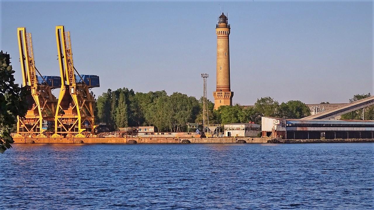 port_latarnia__Świnoujście_weeend_nad_morzem