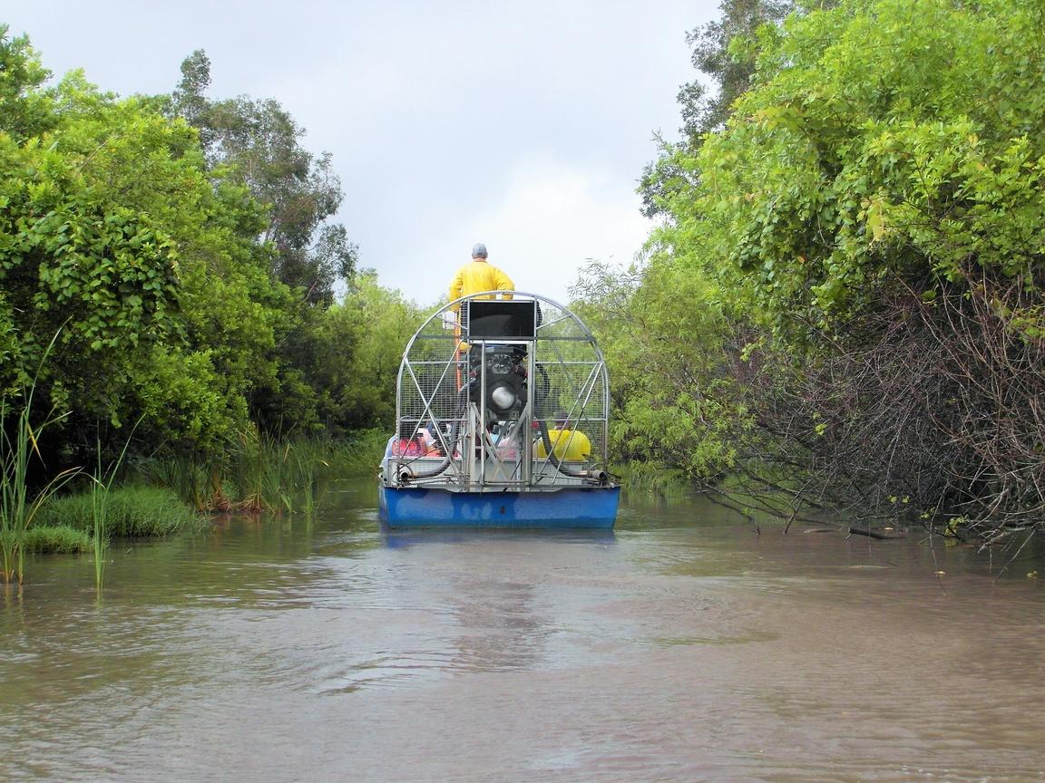 Park Narodowy Everglades na Florydzie_łódź plaskodenna