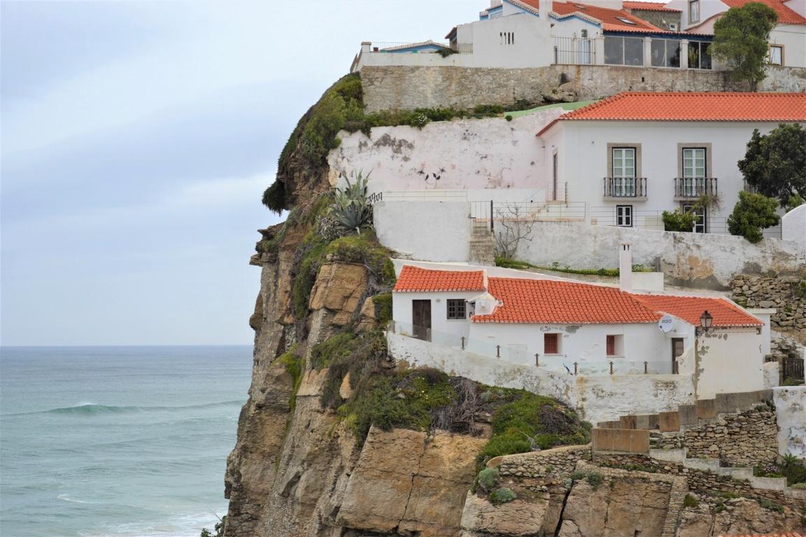 Plaże nad oceanem w okolicy Lizbony_Park_Natury_Sintra_AZENHAS_DO_MAR_Zbierajsie (8)