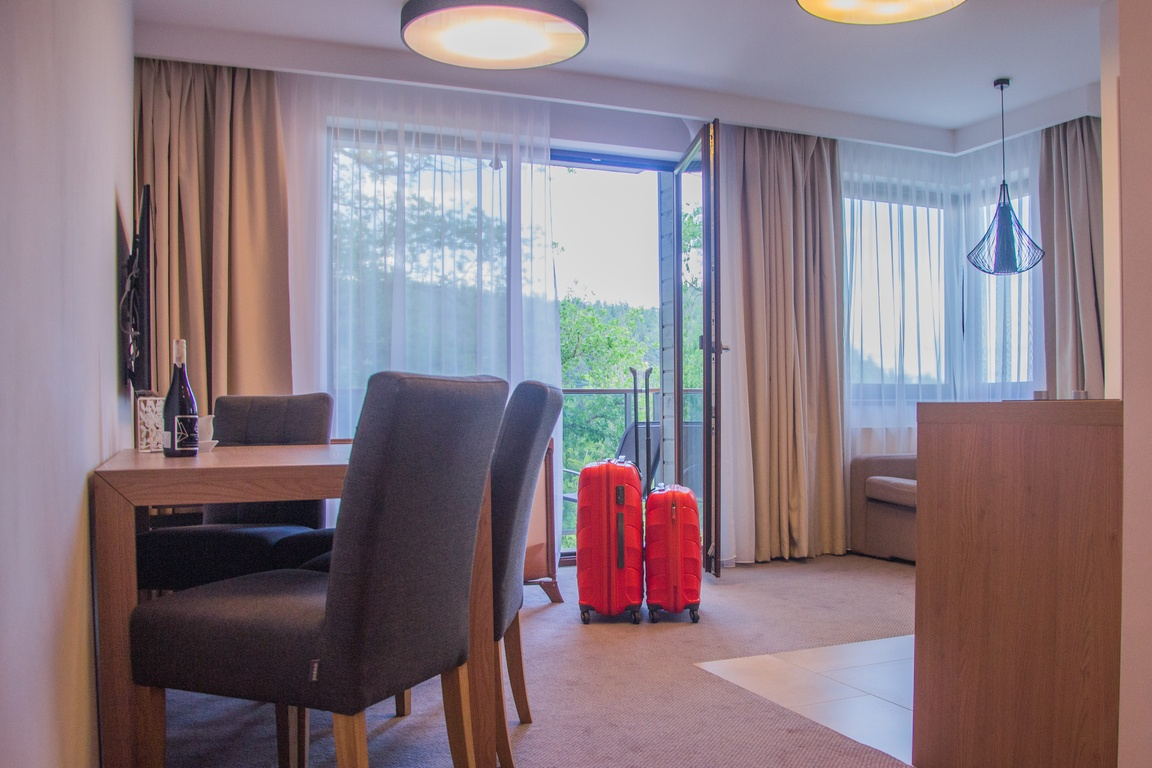 apartament_czarny_kamien_hotel_w_szklarskiej_porebie_zbierajsie