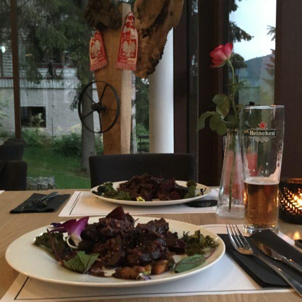 obiad_czarny_kamien_hotel_w_szklarskiej_porebie_zbierajsie