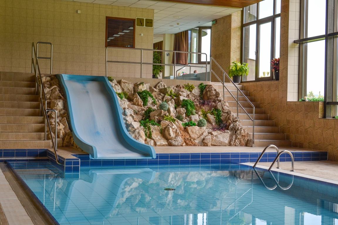 hotel_monfort_tatry_zbierajsie_sciezka_w_koronach_drzew_bachledka_slowacja (16)
