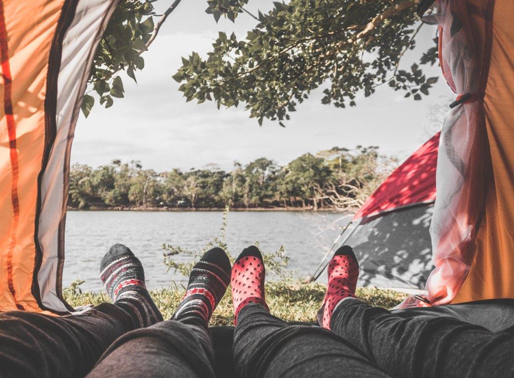 Camping_namiot_Photo by Alí Díaz on Unsplash