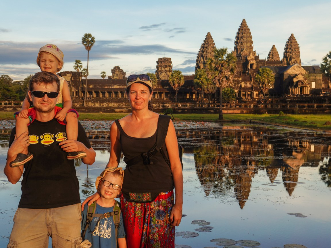 Azja z dziecmi_osiemstop.pl _ Angkor Wat w Kambodży