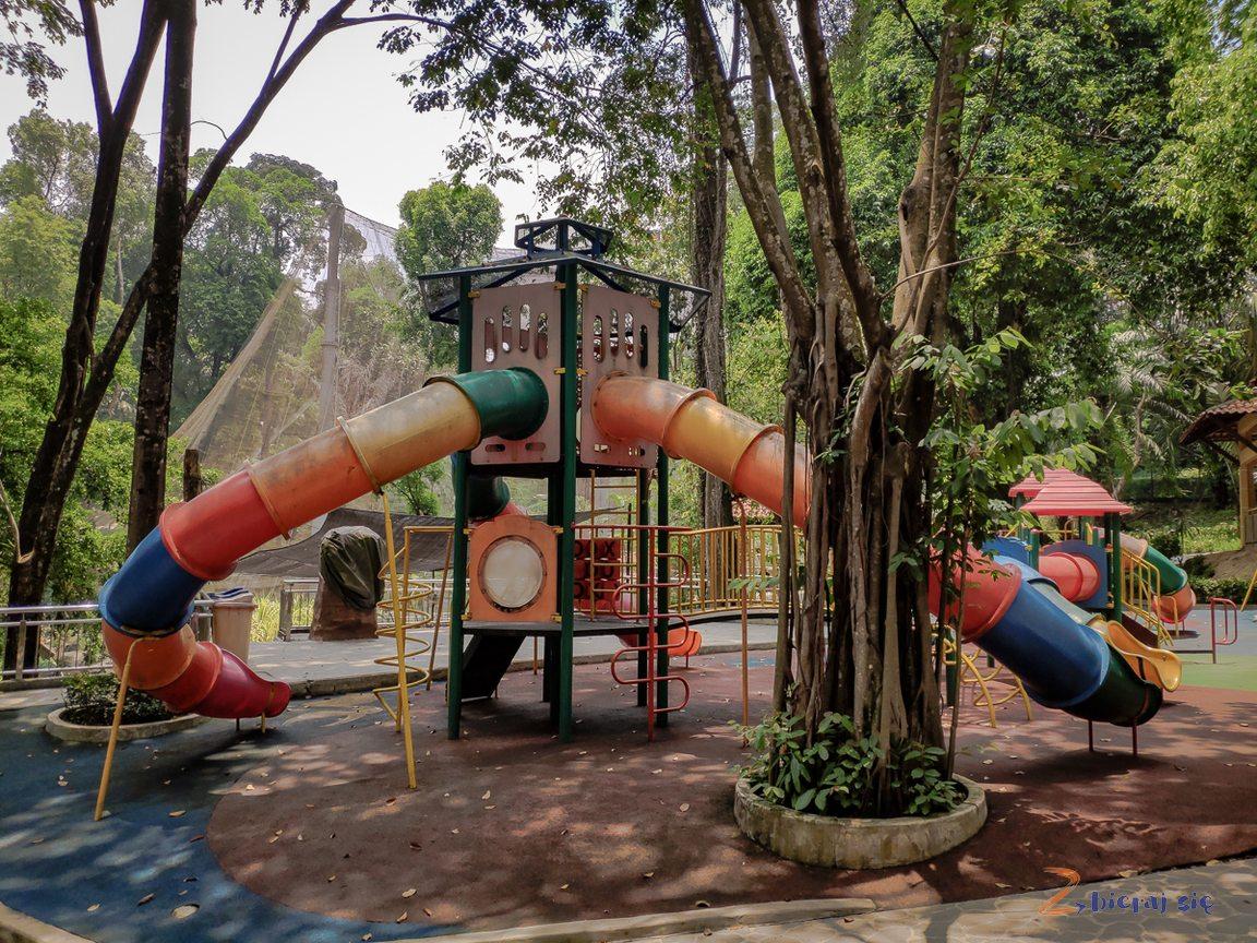 Plac zabaw wParku Ptaków _ Kuala Lumpur zdziećmi(1)