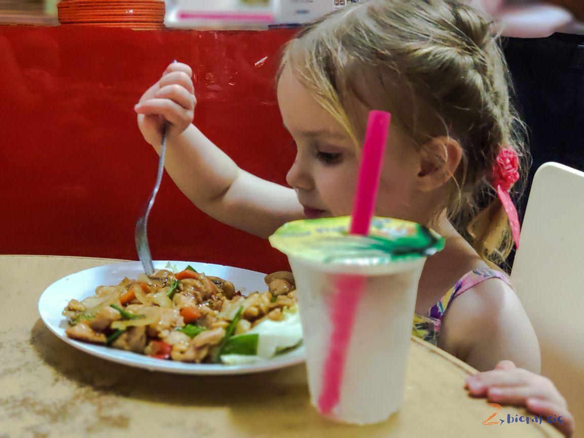 jedzenie_w_azji_dziecko_azja (43)