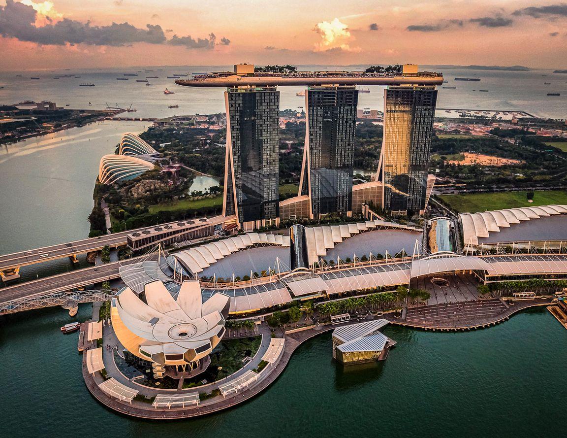 Singapur zlotu ptaka_hu-chen-unsplash..jpg