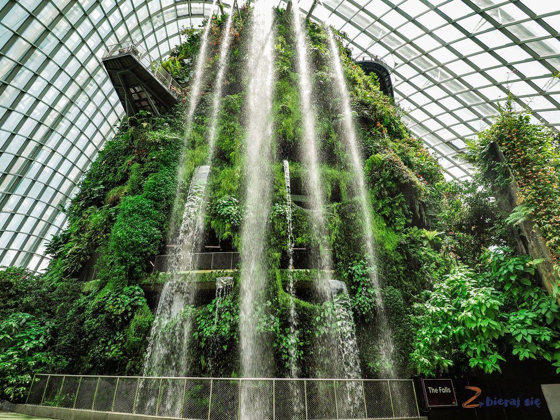 sINGAPUR NAjwiększy wodospad