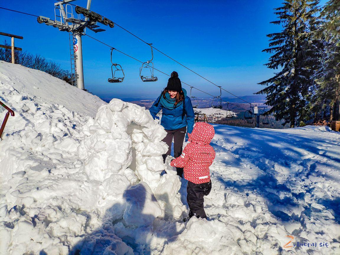 nie tylkosanki naDolnym Śląsku zimą _ budujemy iglo naDzikowcu