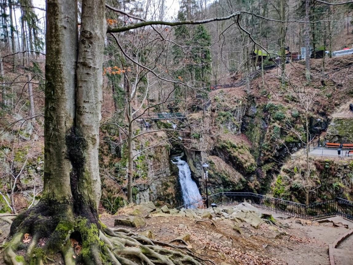 punkt widokowy naprzeciwko Wodospadu Wilczki