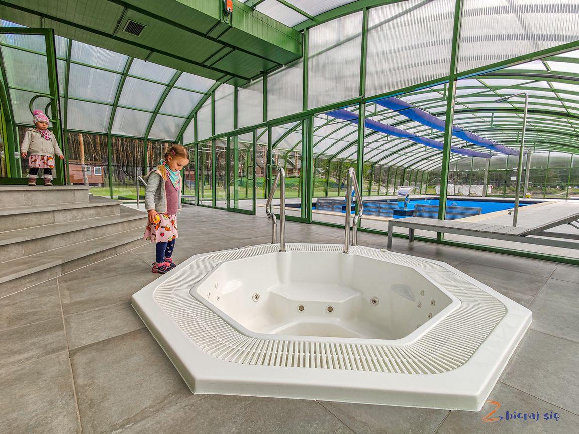 resort_stara_wies_odnowa_zbierajsie_basen