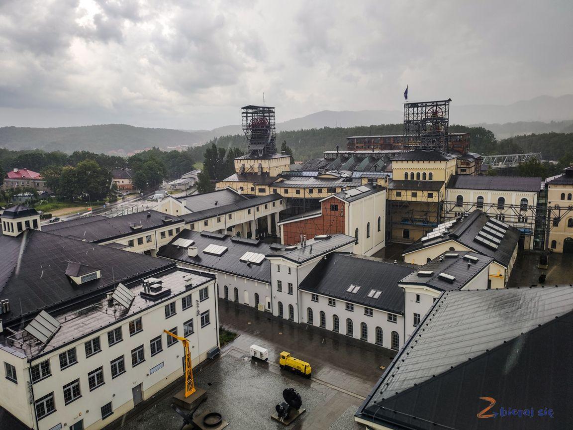 walbrzych-stara-kopalnia-zbierajsie_thorez_julia