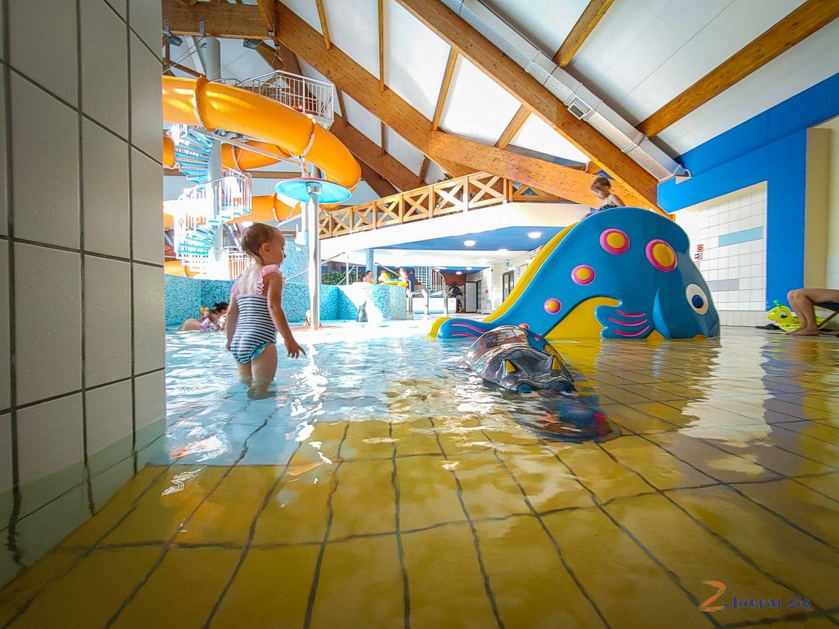 Kompleks Zagroń Istebna - hotel zbasenem wBeskidzie Śląskim - Park Wodny Elza