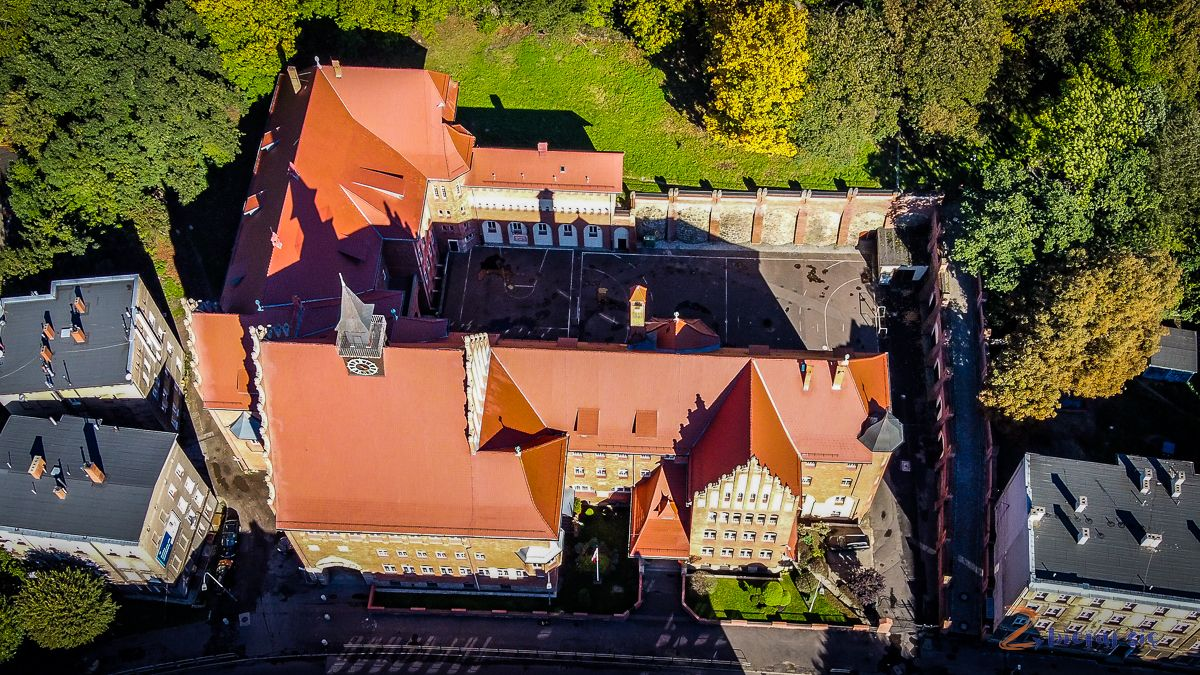 Park-Sobieskiego-w-Walbrzychu-II-LO-2-liceum-zbierajsie (2)