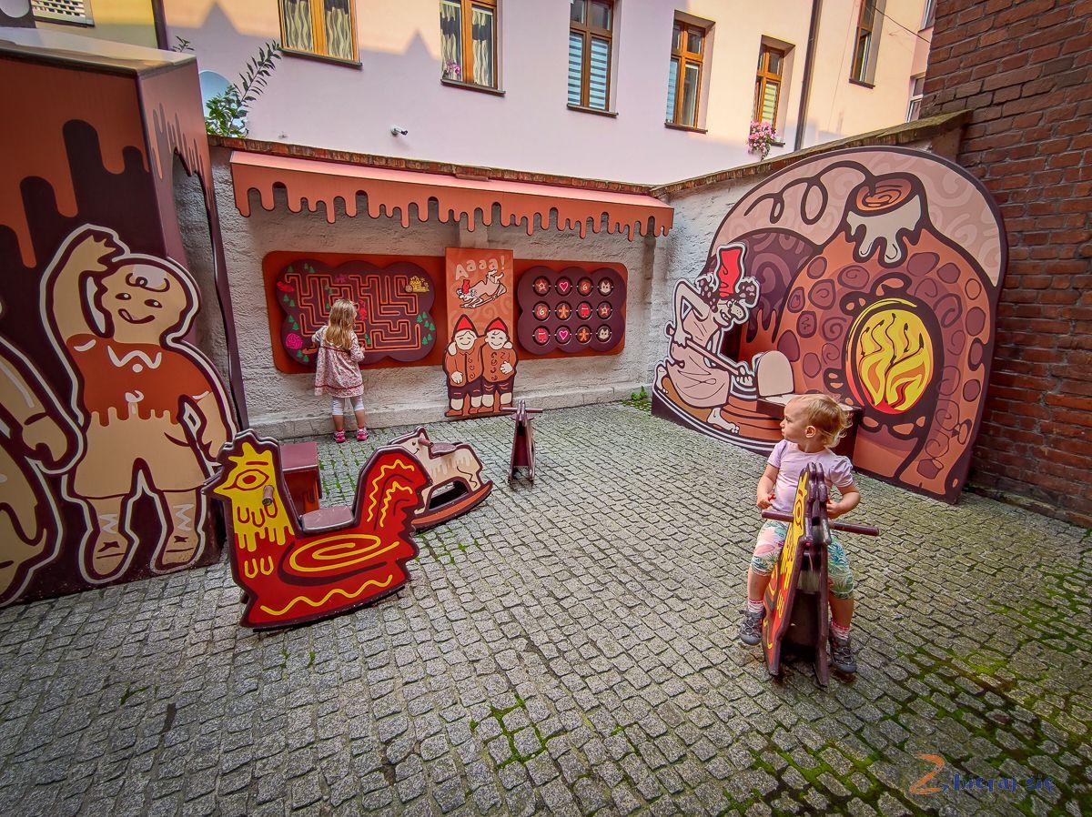 torun_z_dziecmi_torunskie_muzeum_piernika_zbierajsie
