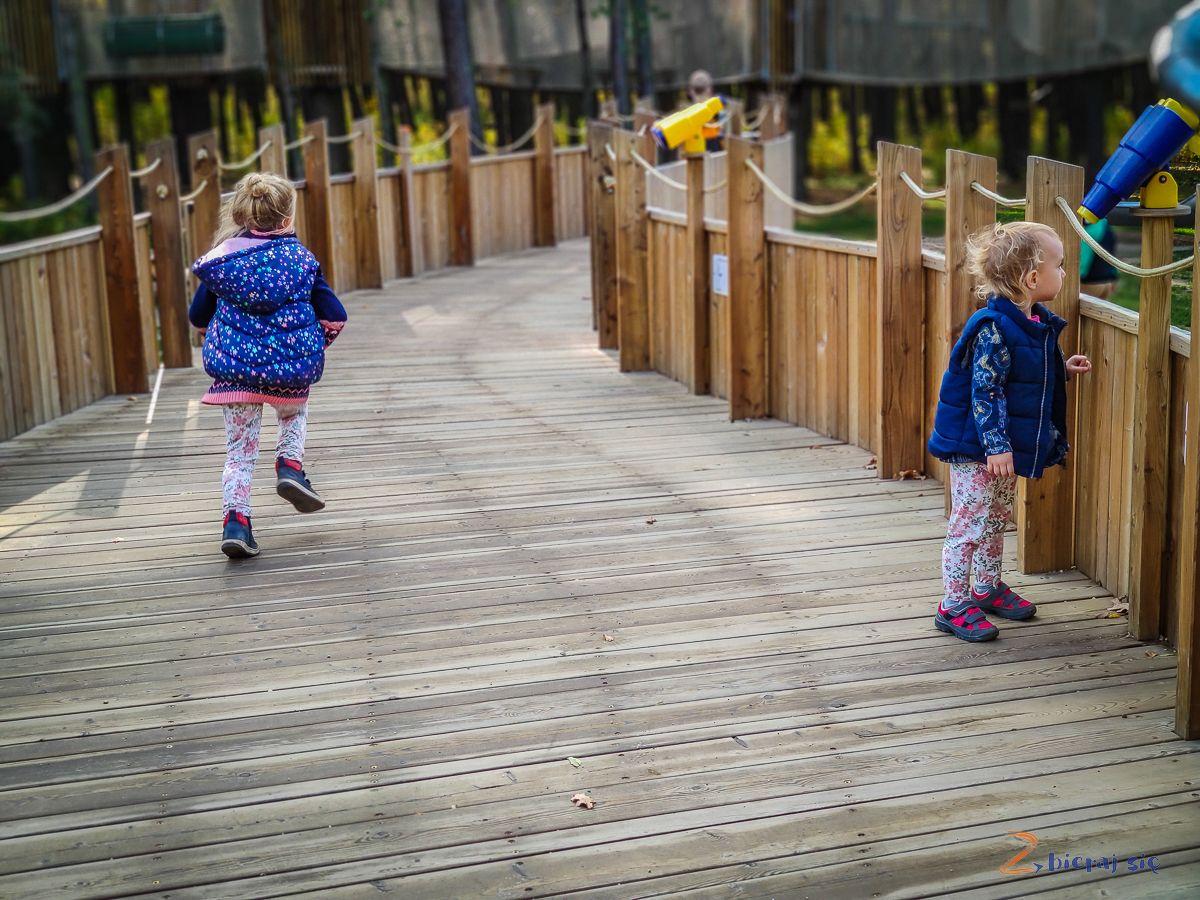 Parki wLubinie: Park leśny wLubinie plac zabaw Krokodyl