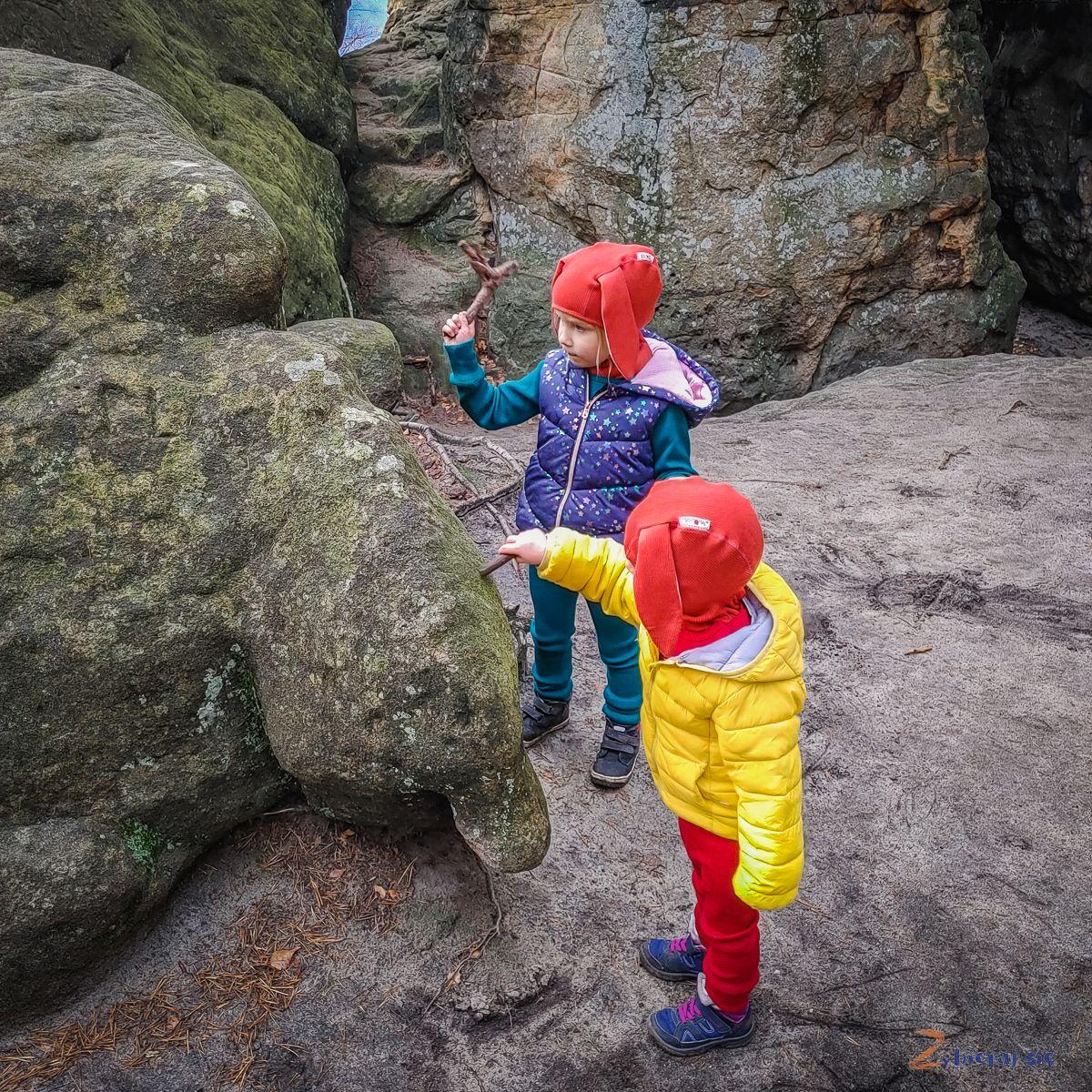 radkowskie-skaly-co-zobaczyc-w-okolicy-radkowa-w-gorach-stolowych-zbierajsie (150)