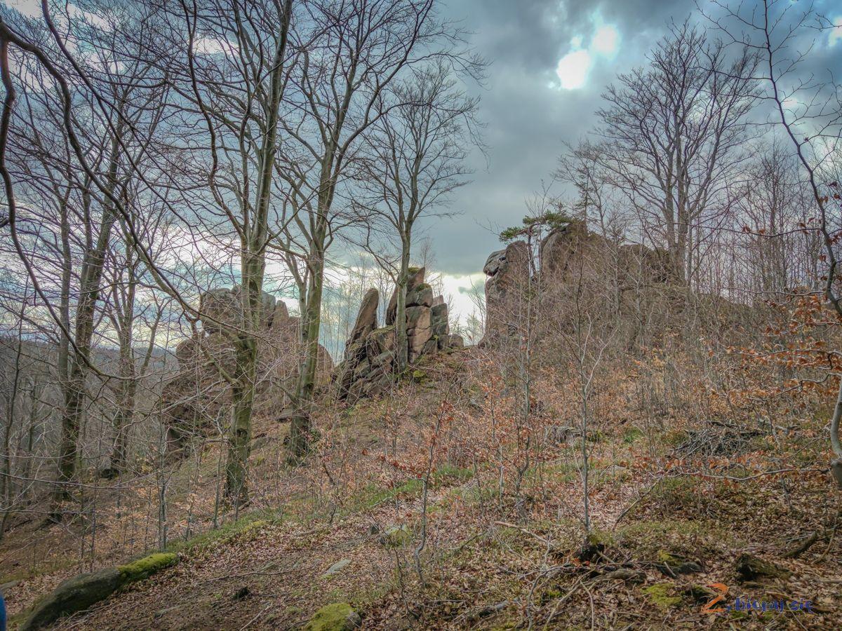 zamek-bolczow-z-wozkiem-rudawy-janowickie-zbierajsie (99)