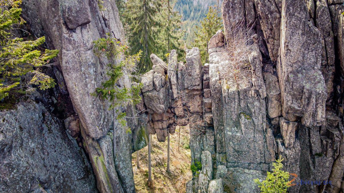 zamek-bolczow-z-wozkiem-rudawy-janowickie-zbierajsie-skalny-most (7)