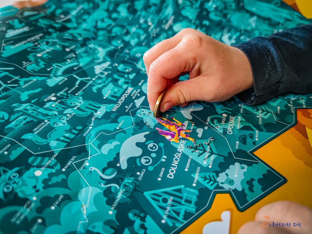 mapy-dla-dzieci-prezent-dla-malego-podroznika-na-dzien-dziecka (15)